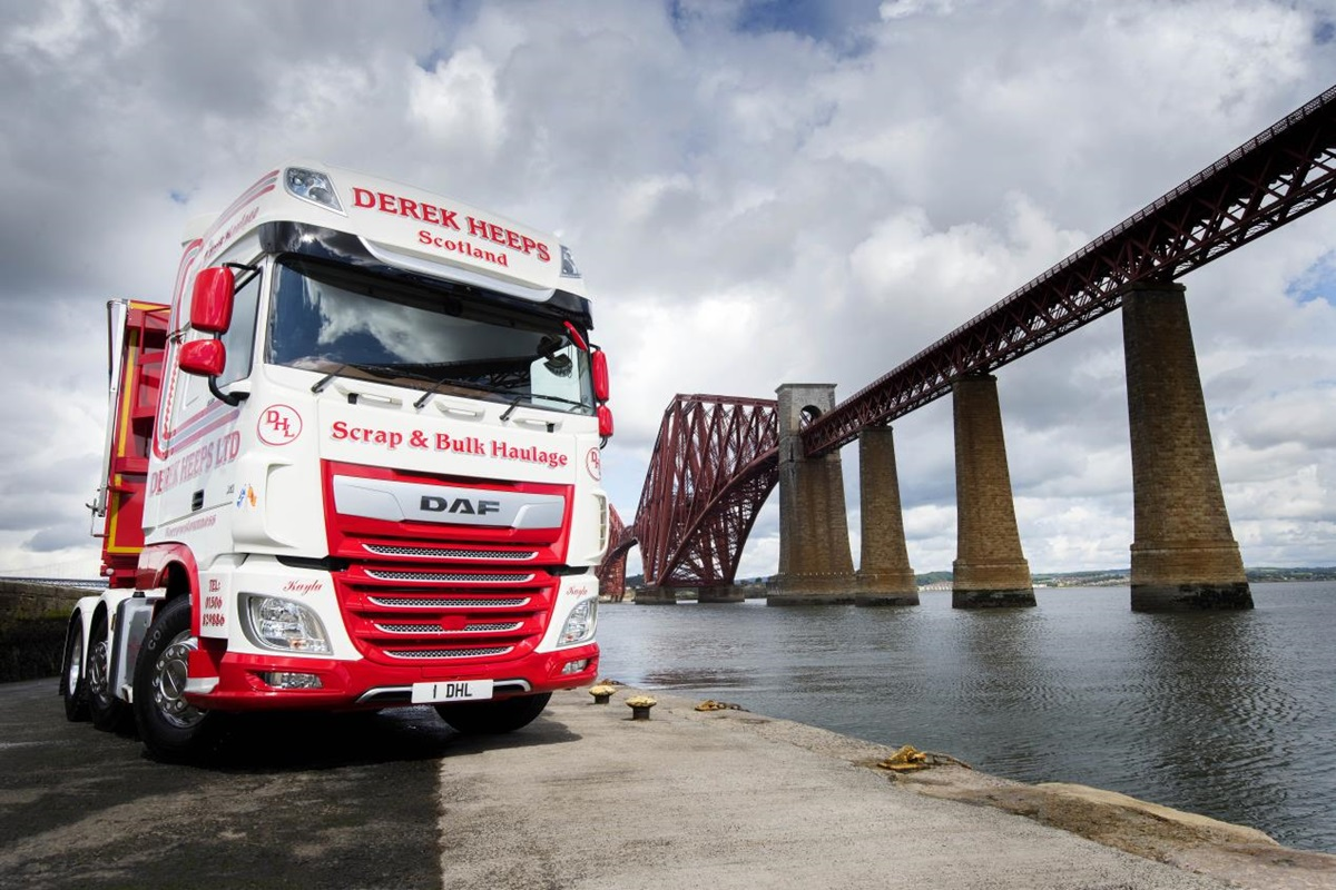 Heeps Heaps Praise on DAF XF
