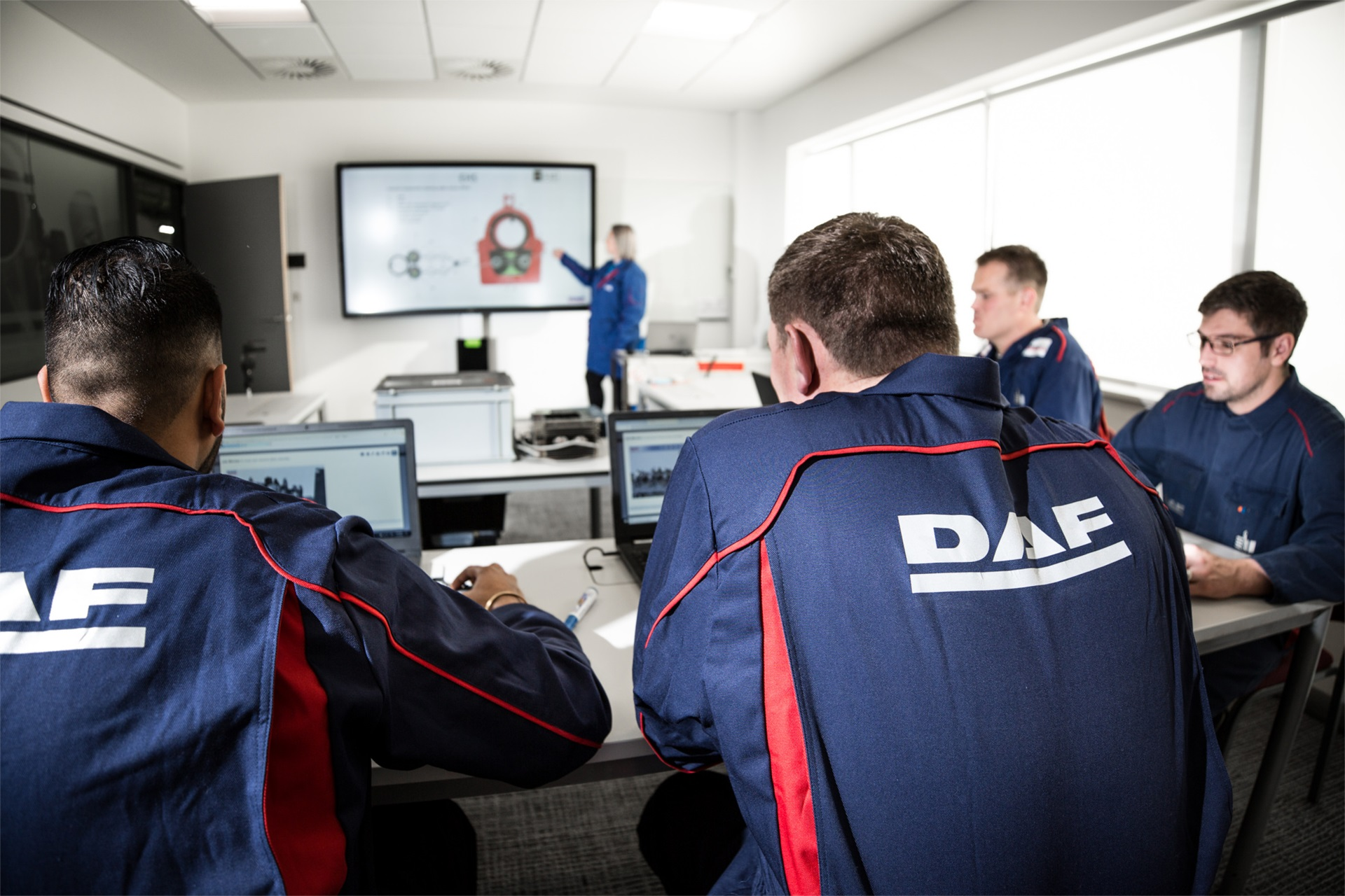 DAF-Technician-Training-Video-Title