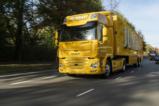 Jumbo takes delivery of first DAF CF Electric