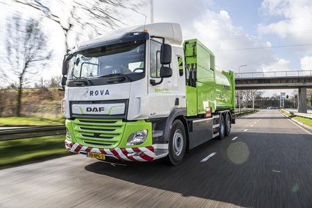 First-DAF-CF-Electric-refuse-collection-truck-delivered-to-ROVA-01