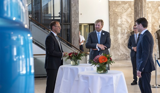 The-Dutch-King-Willem-Alexander-visits-DAF-Trucks-03